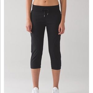Lululemon jogger Capri size 8 perfect condition!